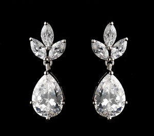 Stunning Rhodium Silver Plated Cz Earrings