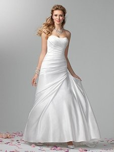 Alfred Angelo 2384 Wedding Dress