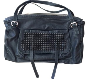 Tylie Malibu Satchel in Black