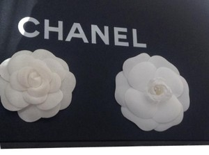 Chanel CHANEL 2 CAMELLIA FLOWERS