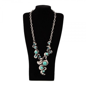 Gorgeous Turquoise Blue Stones on Link Chain Necklace
