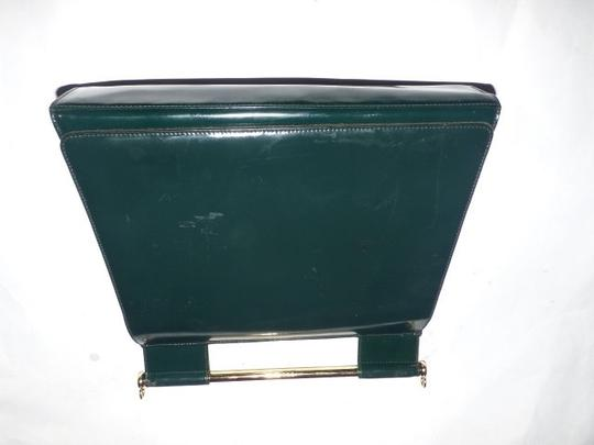 Gucci Equestrian Accents Extra Large Size Excellent Vintage Avant Garde Rare Early Satchel in green patent leather Image 5