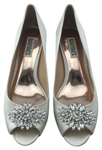 Badgley Mischka Nakita Kitten Heel Peep Toe Ivory Pumps