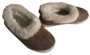 UGG Australia Brown sz 13 (little kids) Flats