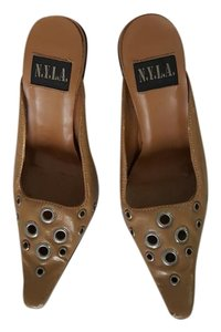 N.Y.L.A. Stiletto Leather Studded Light oak Mules