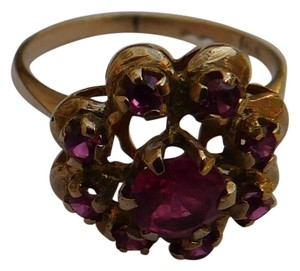 unbrended Vintage 14K Yellow Gold Ruby Cocktail Cluster Ring sz 6