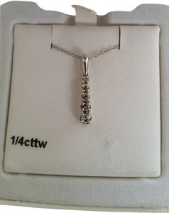 Kohl's jewelry White gold 1/4 ct tw diamond pendant