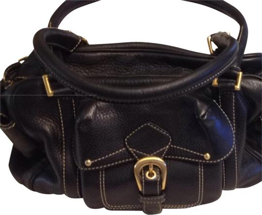 Preload https://img-static.tradesy.com/item/1951034/maxx-new-york-black-leather-shoulder-bag-0-0-540-540.jpg