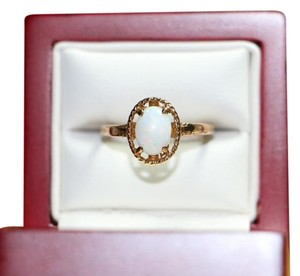 Other 10K Yellow Gold BEAUTIFUL Oval Opal Solitaire Ring, 2 grams