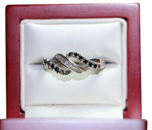 10KT White Gold Diamond and Onyx Bypass Ring, Size 6.25, 2.6 Grams
