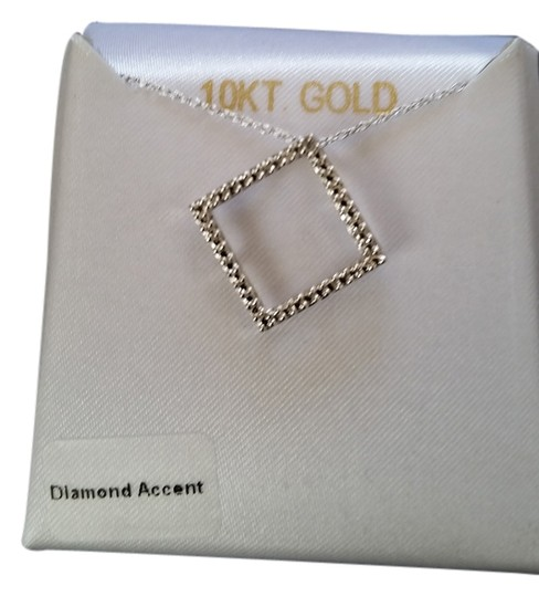 Preload https://img-static.tradesy.com/item/1951043/white-gold-and-diamond-necklace-0-0-540-540.jpg