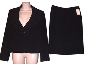 Tahari 2 Piece Black Blazer & Skirt Suit