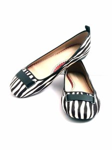 Johnston & Murphy Black & White Flats
