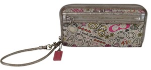 Coach POPPY BUTTERFLY ZIP AROUND WRISTLET WALLET PINK FLOWER RARE