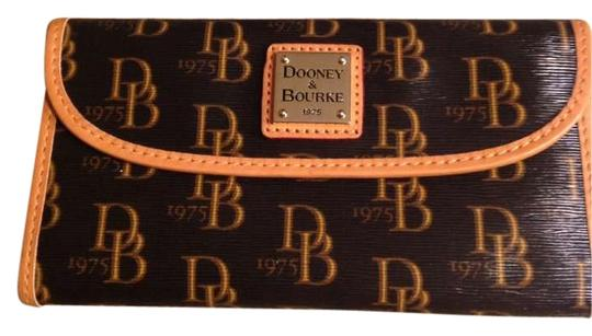 Preload https://item1.tradesy.com/images/dooney-and-bourke-brown-and-tan-1975-signature-continental-clutch-wallet-195120-0-0.jpg?width=440&height=440