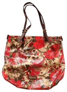Sakroots Tote in Mostly Red