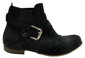 Steve Madden Nubuck Suede Distressed Black Boots
