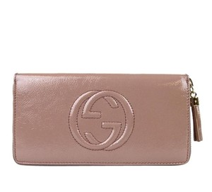 Gucci Gucci Soho Patent Leather Zip Around Wallet Powder Pink 308004 6812