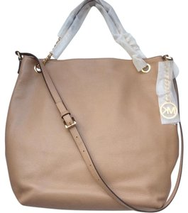 Michael Kors Nwt New With Tags Chains Shoulder Bag