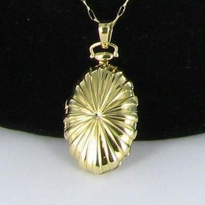 Monica Rich Kosann Necklace Oval Sunburst Locket Two Photo 18k Yellow Gold