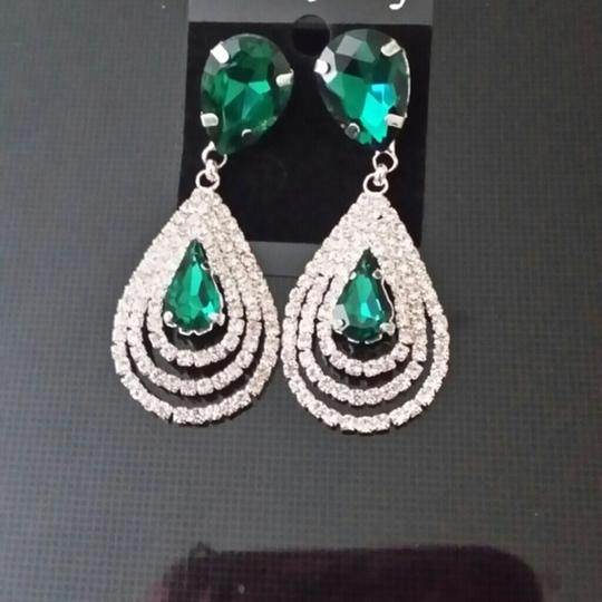 Other Emerald Green color New Crystal Clear Cluster Drop Fall Tear Dangle Image 1