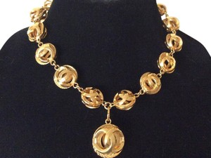 Chanel CHANEL 18k GOLD PLATED RARE VINTAGE CC ORB CHOKER