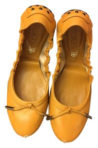 Tod's Tan Brown Orange Flats