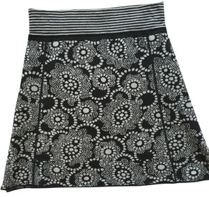 Title nine Skirt Black & White Check