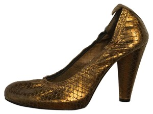 Twelfth St. by Cynthia Vincent Gold Pumps
