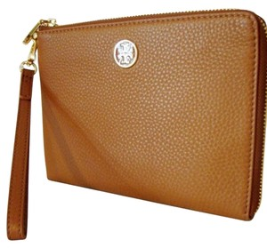 Tory Burch Wristlet in Bark