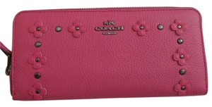 Coach COACH 53908 SLIM ACCORDION ZIP WALLET IN FLORAL RIVETS LEATHER