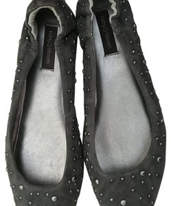 Ruby & Bloom Gray Flats