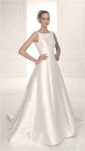 Pronovias Canal Wedding Dress