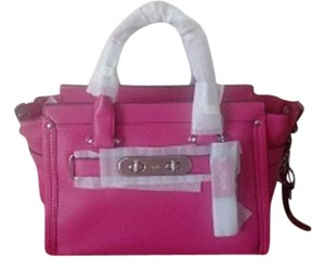 Coach Leather Swagger Elegant Satchel in Pink