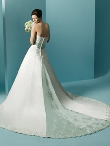 Alfred Angelo 1708 Wedding Dress