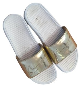 Nike Metallic gold Sandals