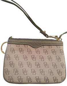 Dooney & Bourke Wristlet in Grayish/ Tan