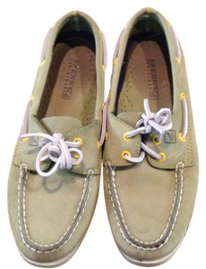 Sperry Green eith yellow grommets Flats