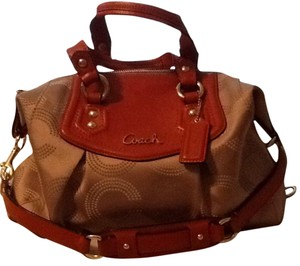 Coach Tote in Beige, Burnt Orange