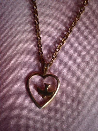 Other Vintage Gold Plated Heart/Dove Necklace Image 1