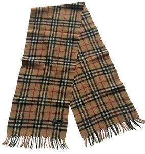 Burberry London Authentic Burberrys of London 100% Lambswool