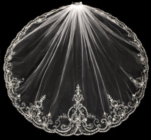 Diamond White Beaded Embroidery Fingertip Wedding Veil
