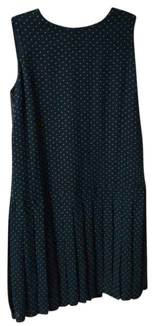 Preload https://item3.tradesy.com/images/uniqlo-greenwhite-polka-dot-above-knee-workoffice-dress-size-6-s-1953457-0-0.jpg?width=400&height=650