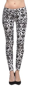 Yoyo 5 Black And White Aztec Leggings