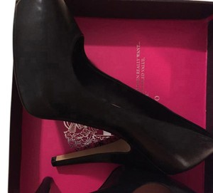 Vince Camuto Leather Platform black Pumps