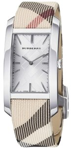 Burberry NWT Burberry Womens Heritage Nova Check Leather Strap Watch