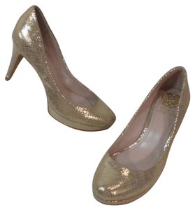Vince Camuto Classic Gold metallic Tan Pumps
