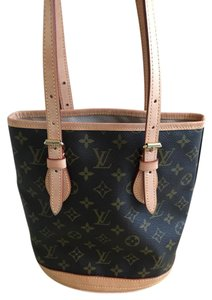 Louis Vuitton Bucket Barely Used Shoulder Bag