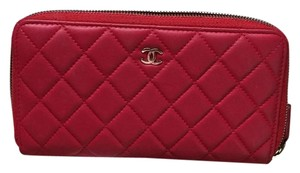 Chanel L-Gusset Zip Wallet