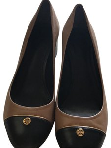 Tory Burch Tan, taupe, camel and black Pumps